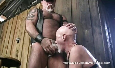 Una joven zorra porno con audio latino será atada y follada por un tipo en posiciones extremas
