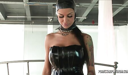 Hombre negro con porno con audio latino polla negra aprende excelente sexo oral de una joven cachonda
