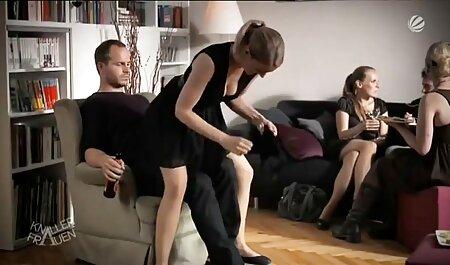 Joven francesa sexo latino en español deja que su novio la folle por el culo