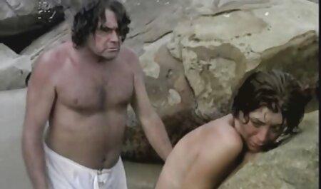 Joven free porno en español latino rubia se masturba suavemente