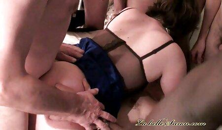 La pareja expresa su amor hentai latino con sexo salvaje