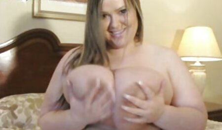 Modelo peliculas porno en audio latino porno en lencería de encaje para un negro