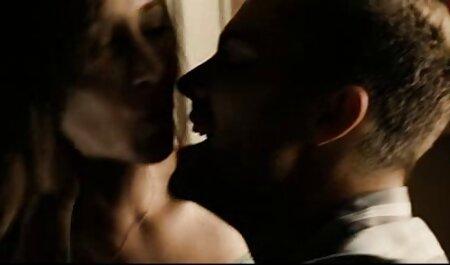 Estrella hentay audio latino porno madura muestra habilidades de paja joven zorra