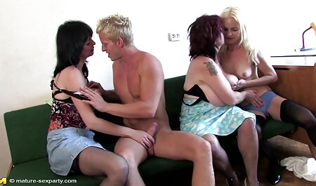 Polla negra desconocida videos porno en español latino gratis de un agujero en la pared recibe una hermosa mamada de una puta joven