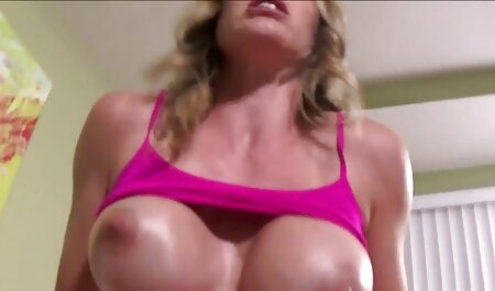 La modelo porno Dana Dermond anime porno en español latino se divierte con su amiga