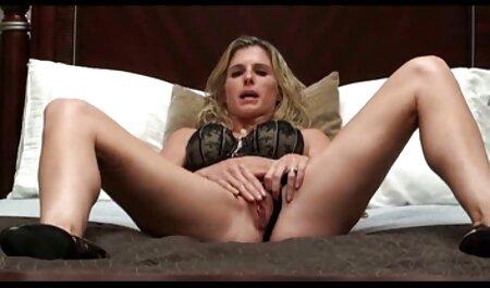 Estrella porno deja que el videos porno español latino hombre se corra dentro de sí mismo