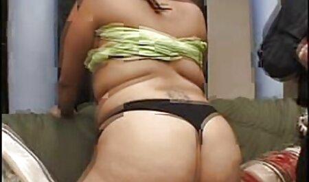 La señorita se quitó las porno en latino español bragas e insertó un vibrador