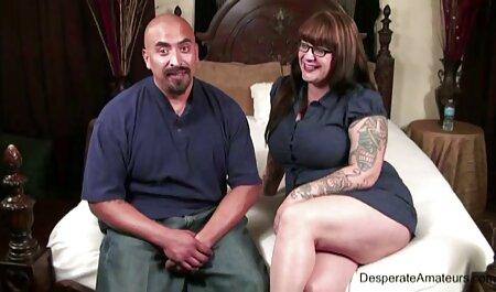 Puta de negocios madura con gafas le encanta follar con una multitud de hombres y beber su esperma porno castellano latino