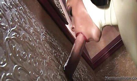 Babenka siempre consigue lo que quiere en videos porno en español latino gratis la cama